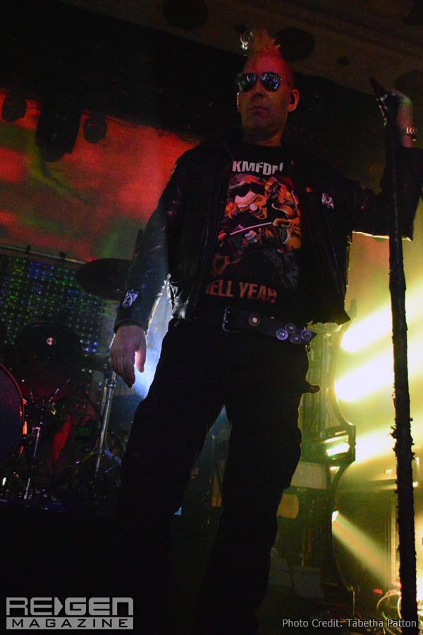 KMFDM_01