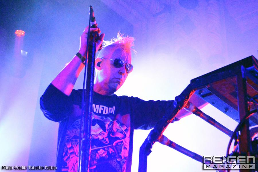 KMFDM_09