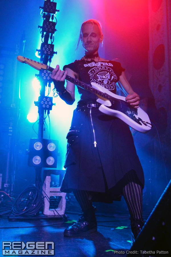 KMFDM_35