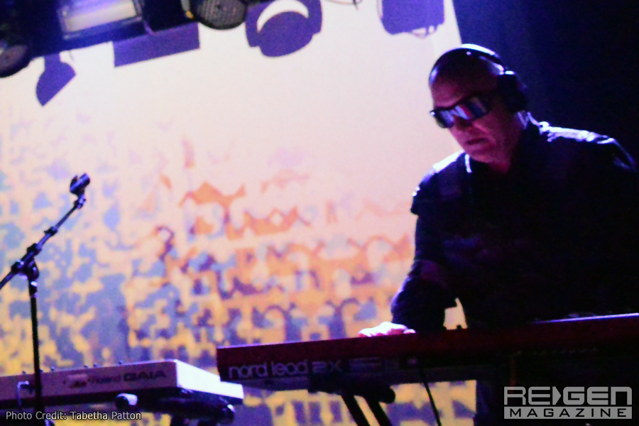 Front242_15