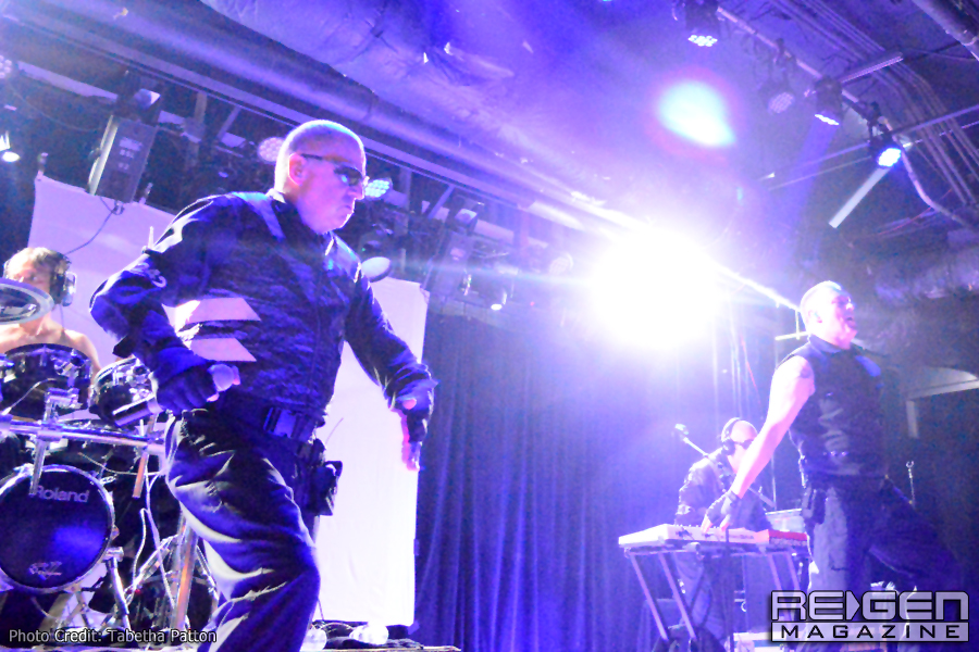Front242_54